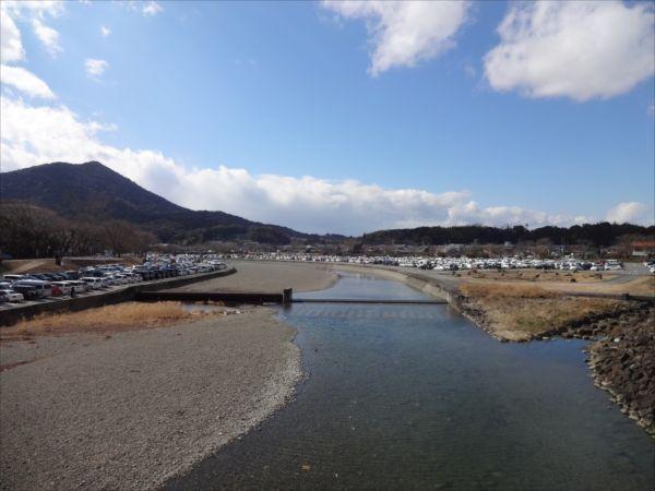 網のブログ-神宮側の川原